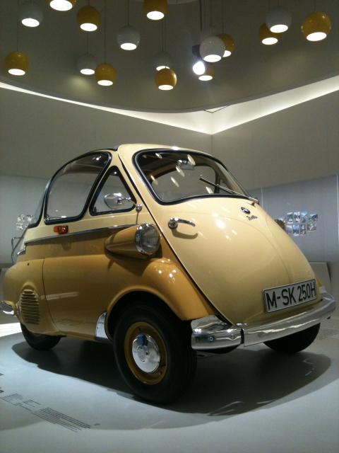 bmw isetta kaufen bmw isetta ersatzteile clubs oldtimer. Black Bedroom Furniture Sets. Home Design Ideas